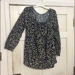On or off shoulder leaf print tunic shirred top.
